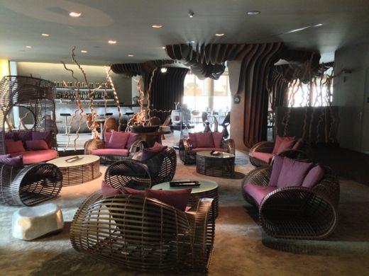 lobby-thevine